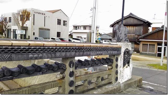 淡路島で見た瓦の橋の画像