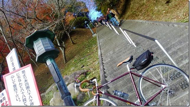 瑠璃光山薬師寺の階段画像
