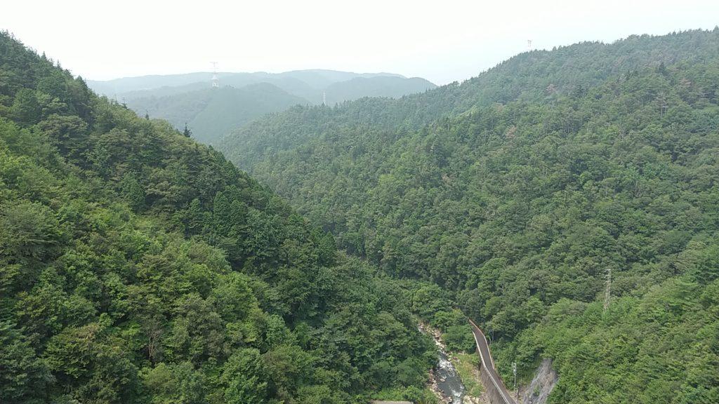 小里川ダムからの山々