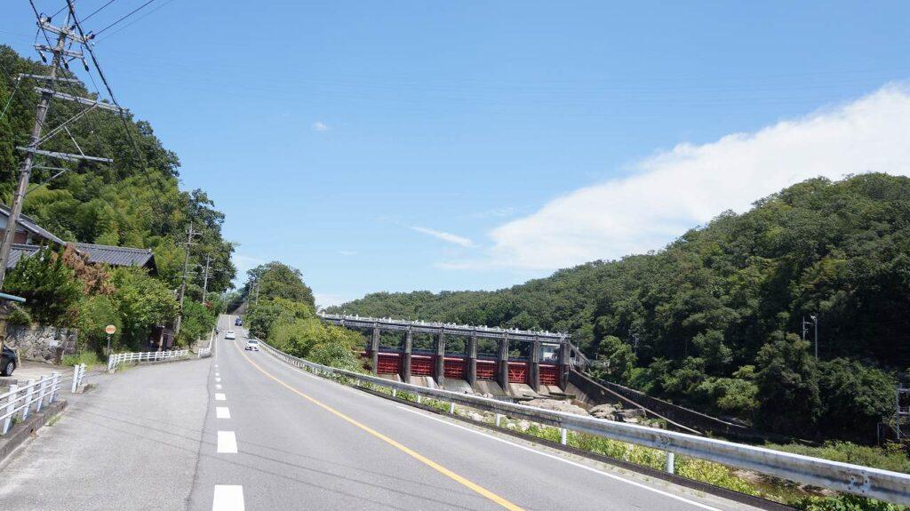 矢作川西側道路